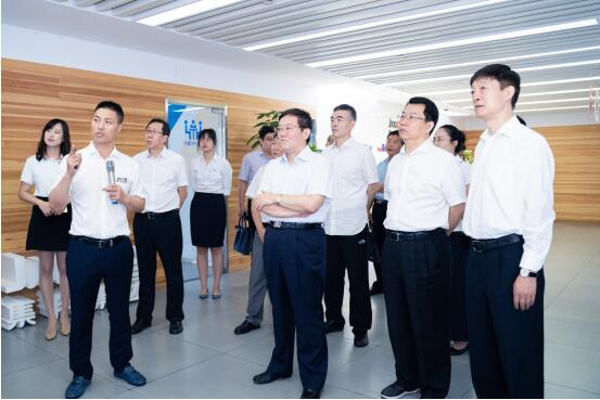 中央统战部副部长徐乐江一行莅临集翔控股集团调研指导工作